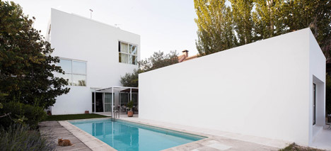 Little White Box at Turegano House by Alberto Campo Baeza