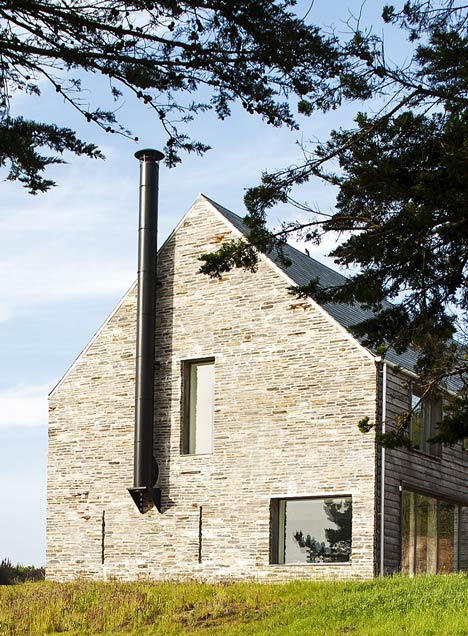 Mortehoe House by McLean Quinlan Architects