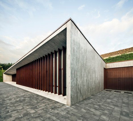 New Funeral Home in Sant Joan Despí by Batlle i Riog Arquitectes