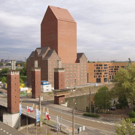 dezeen_State archive Duisburg by Ortner & Ortner_1sq
