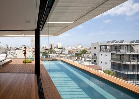Tel Aviv Townhouse by Pitsou Kedem