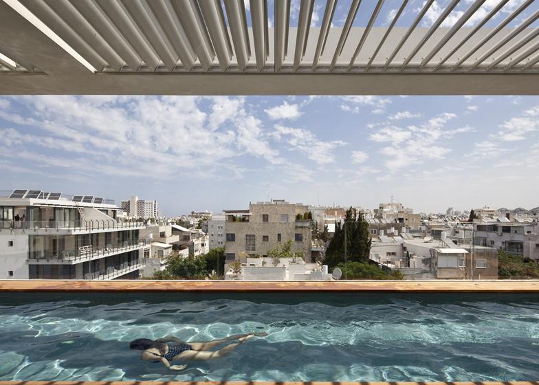 Tel Aviv Townhouse by Pitsou Kedem