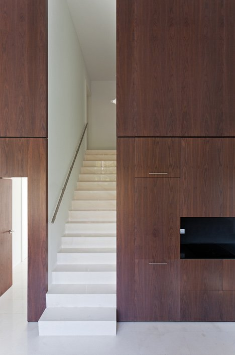 Vallvidrera House by YLAB Arquitectos
