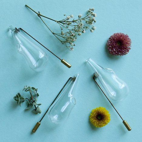 Boutonnire Lapel Pin Vase In Blown Glass And Brass By Omer Polak