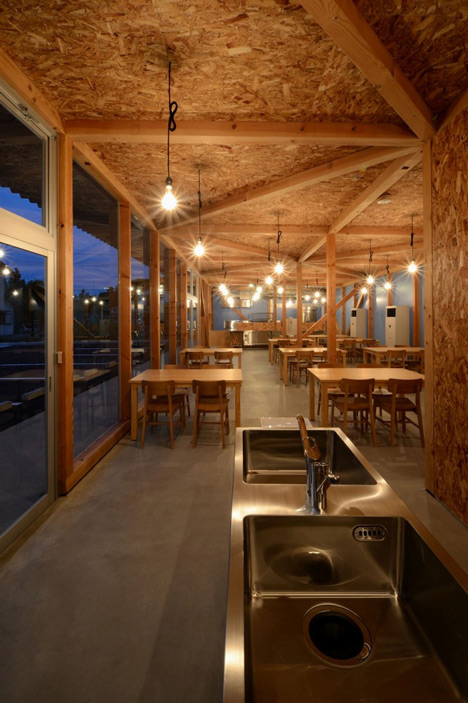 Cafeteria in Ushimado by Niji Architects_dezeen_19