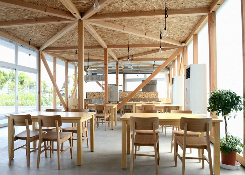 Cafeteria in Ushimado by Niji Architects