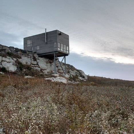 Cliff House by MacKay-Lyons Sweetapple Architects is perched over a sheer rock face