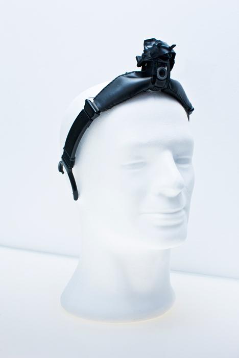 Dezeen_Neil_Harbisson_Cyborg_artist_Technology_1