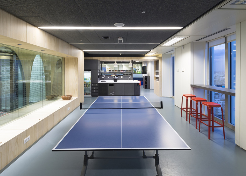 google moscow office pure. Dezeen Magazine Google Moscow Office Pure