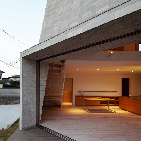 House Shirasu by ARAY Architecture_dezeen_1sqb