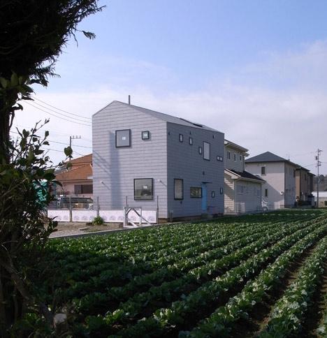 House in Oiso by atelier HAKO architects_dezeen_3