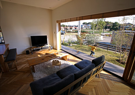 House in Oiso by atelier HAKO architects_dezeen_6