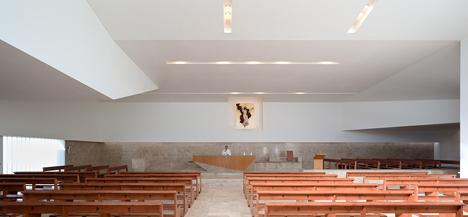 La Ascension del Senor Church by AGi architects