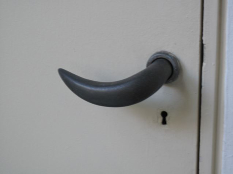 Lina Bo Bardi door handle produced by Izé