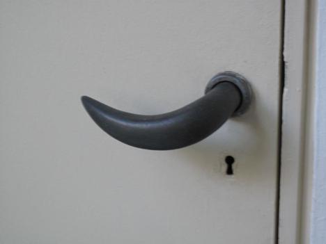 Lina Bo Bardi door handle produced by Izé