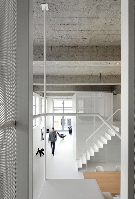 Loft FOR renovated apartment in Brussels by adn Architectures