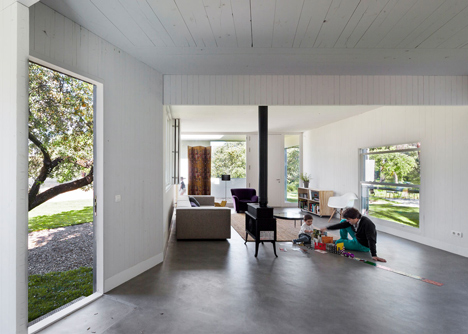 MO House in the woods by FRPO