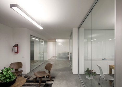 Office in Mexico that centres around its staircase