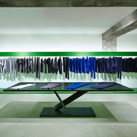Reality Lab. Issey Miyake boutique by Tokujin Yoshioka