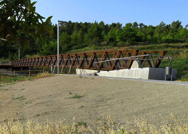 Sant Pere Sacarrera corten steel Footbridge by Alfa Polaris SL