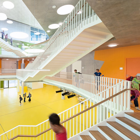 Secondary School Ergolding with quadruple-height assembly hall by Behnisch Architekten