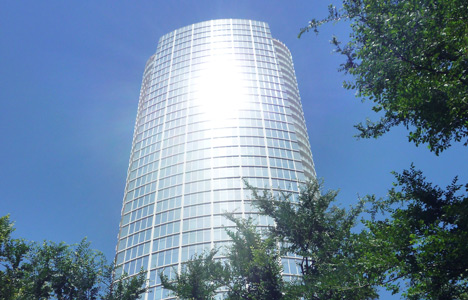 Glass-clad Museum Tower in Dallas