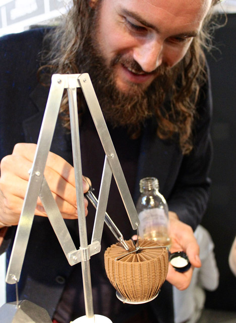 The Peddler by Unfold and Barnabé Fillion