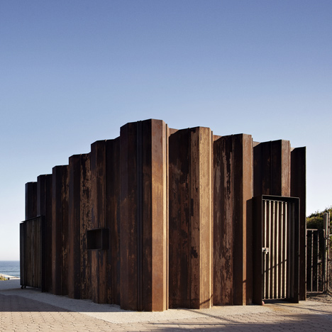 Third Wave Kiosk built from weathered steel piles by Tony Hobba Architects