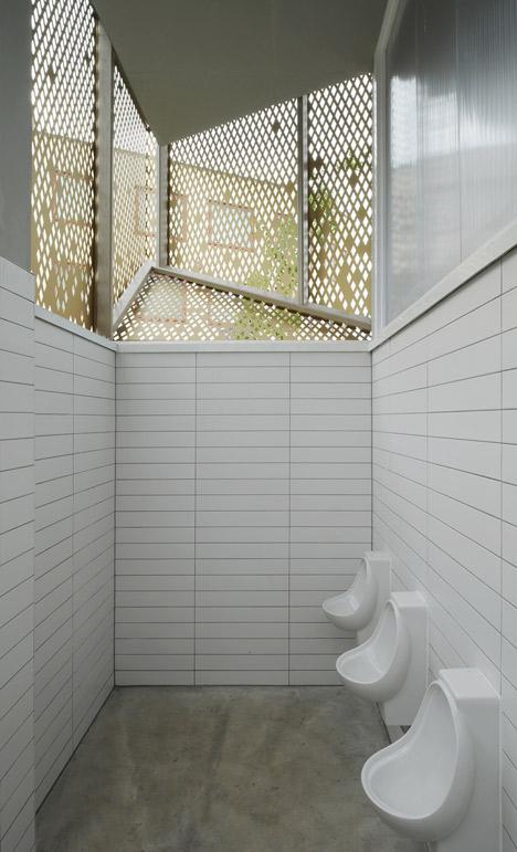 Wembley WC Pavilion public toilet by Gort Scott