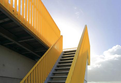 Adventure tower in concrete at Beldert Beach by Ateliereen Architecten_dezeen_9