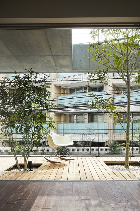 Balcony House by Ryo Matsui Architects_dezeen_3