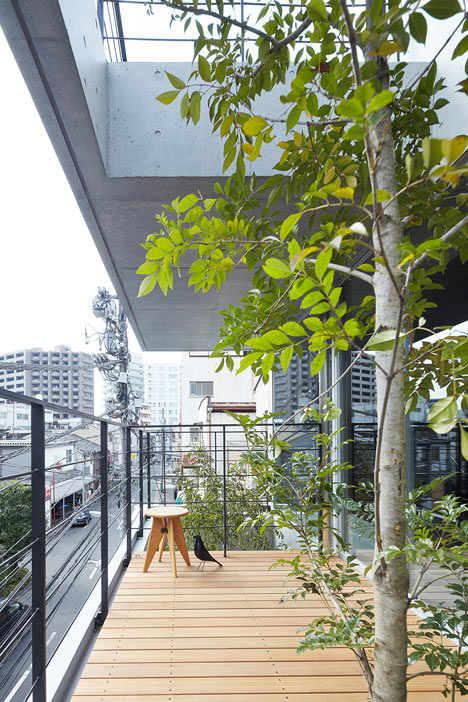 Balcony House by Ryo Matsui Architects_dezeen_4