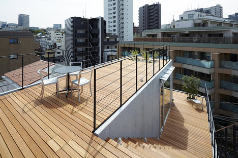 Balcony House by Ryo Matsui Architects_dezeen_8