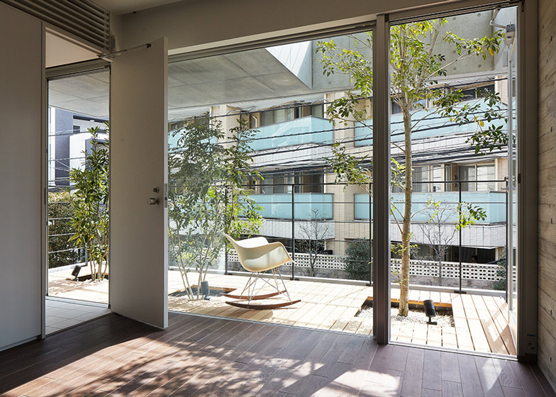 Balcony House by Ryo Matsui Architects