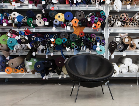 Bowl chair by Lina Bo Bardi reissued by Arper_dezeen_14
