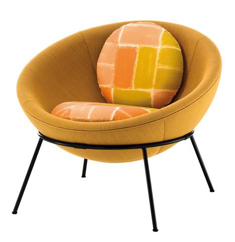 Bowl chair by Lina Bo Bardi reissued by Arper_dezeen_19