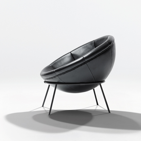 Bowl chair by Lina Bo Bardi reissued by Arper_dezeen_3
