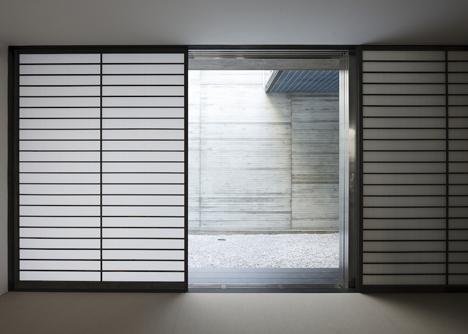 Concrete house named Calm by Apollo Architects & Associates