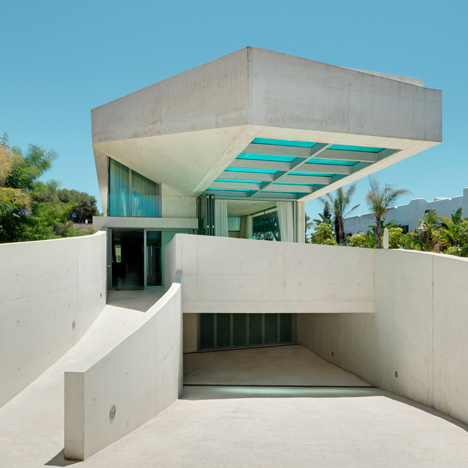 Jellyfish House by Wiel Arets_dezeen_6sq