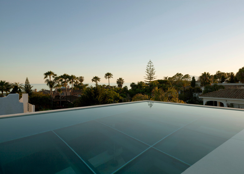 Jellyfish House by Wiel Arets_dezeen_12