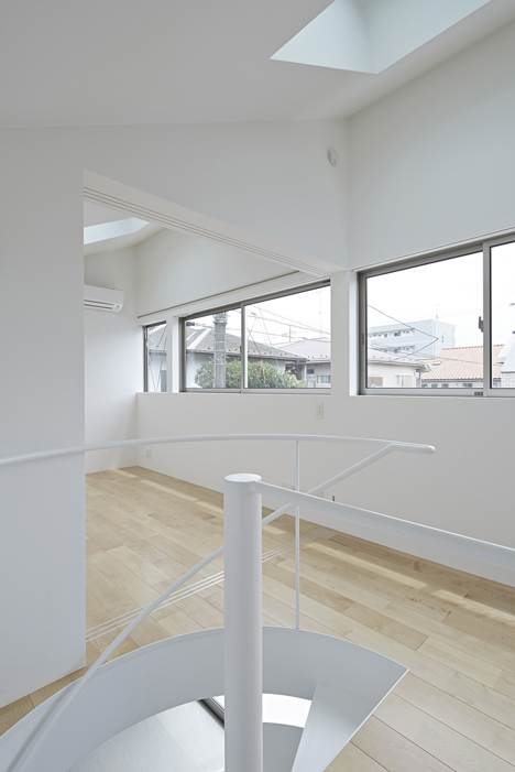Long Window House by anotherAPARTMENT LTD_dezeen_6