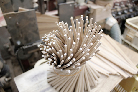 Nendo chopsticks for Hashikura Matsukan _dezeen_26