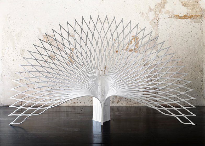 Chair Shaped Like The Tail Of A Peacock By Uufie Design