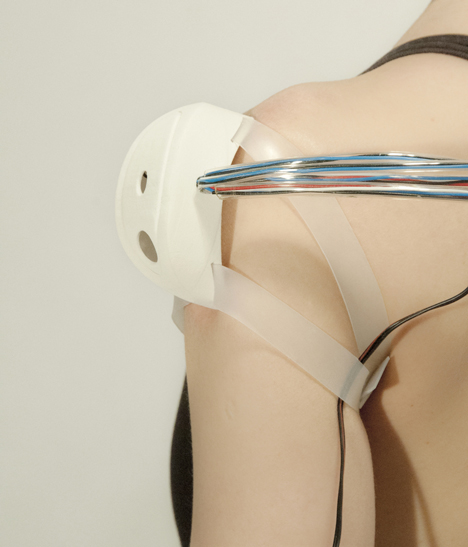 Reality Mediators wearable technology by Ling Tan