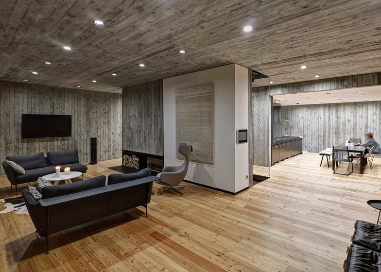 polish house with woodtextured concrete interior