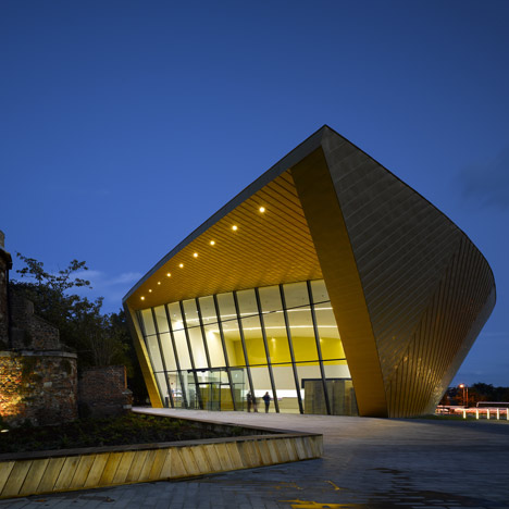 Firstsite-by-Rafael-Viñoly-Architects_01