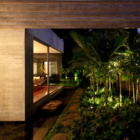 Yucatan-House-by-Isay-Weinfeld_01