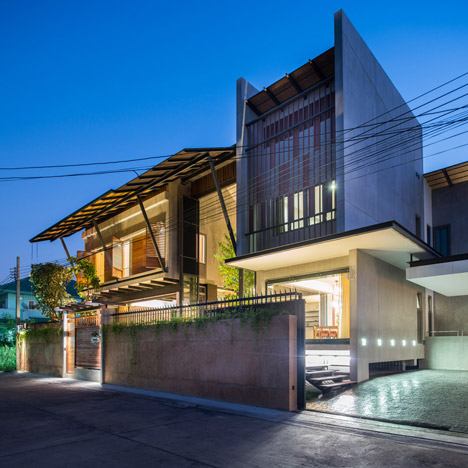 Baan Yo Yen courtyard house in Thailand by TACHA_Design