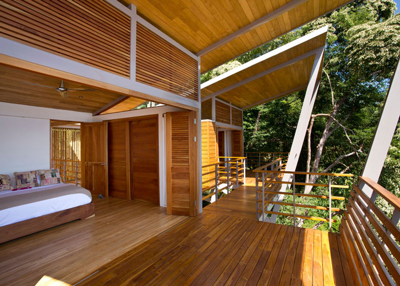 Casa Flotanta by Benjamin Garcia Saxe Architecture is raised above a forest