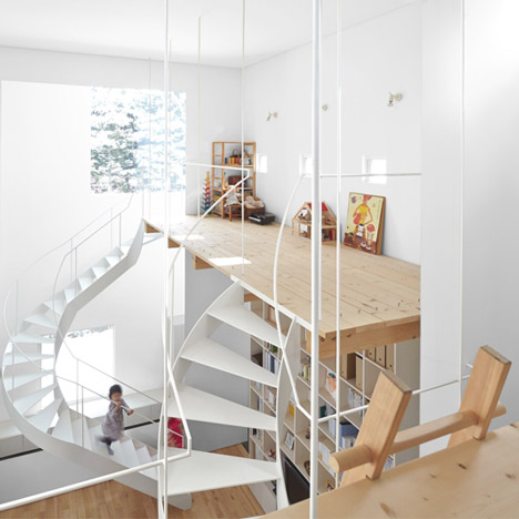 Case house staircases Jun Igarashi Architects_dezeen_1sq